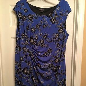 Like New Covington 24W Knee Length Dress